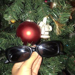 Chloė Women's Rectangular Black Sunglasses