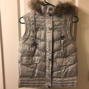 Hardly used gray vest