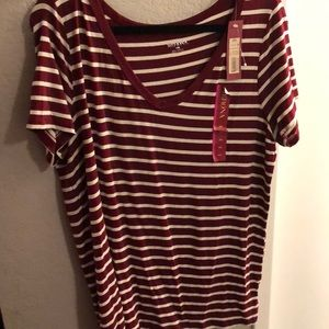 Maroon and cream T-shirt