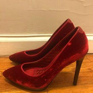 Tom Ford Red Velvet pumps