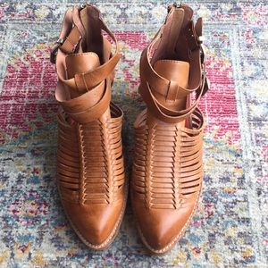 Vintage by Jeffrey Campbell woven booties size 10