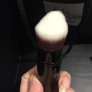 Brand new CHANEL RETRACTABLE FOUNDATION BRUSH