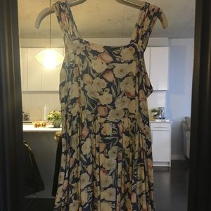MINKPINK Floral Fit and Flare Dress!!! Size Medium
