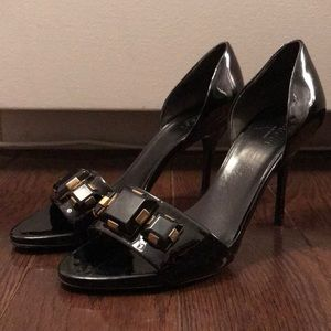 Gucci black patent heeled sandals