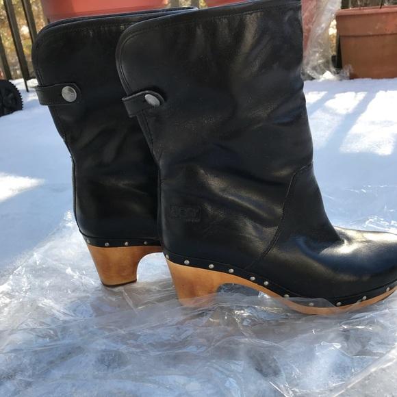 c6db9a0acec Ugg Lynnea Black Leather Ankle Clog Boots sz 7 NWT
