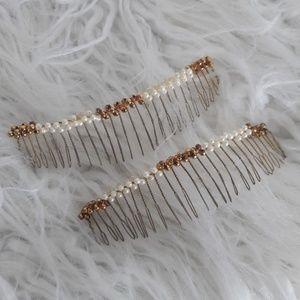2 vintage hair comb accessories