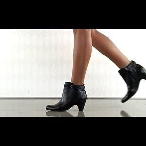 Sam Edelman Black Leather Maddox Booties