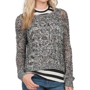 VOLCOM Black & White cable sweater  sz S