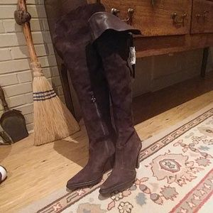 NWT DONALD PLINER SUEDE BOOTS