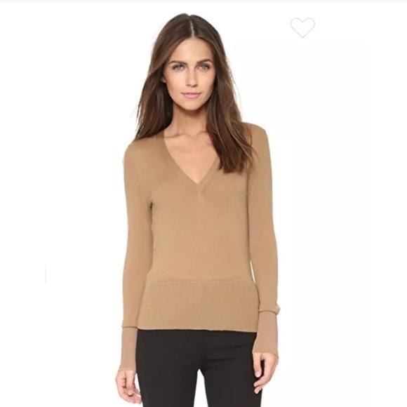... V-Neck Sweater in Tan Size XS. M 5a2dbbe2f092827b8000b21a b0d96b45c