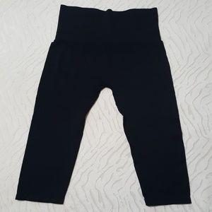 Seamless Spanx Shapewear Capri leggings