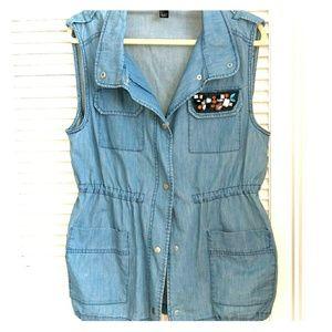 Denim vest with accents