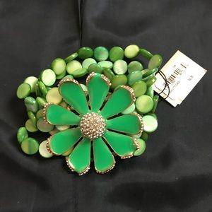 NEW Green Flower bracelet