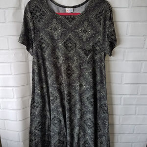 Lularoe Carly black white diamond print cinched L