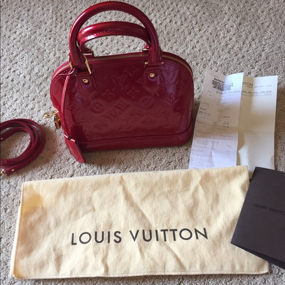 ce7a8bbf646f Louis Vuitton Handbags - Louis Vuitton Alma BB in Pomme D Amour