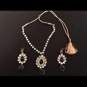 Jewelry - Beautiful kundan Indian necklace with earrings