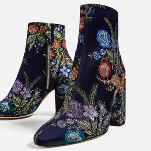 Zara Embroidered Floral Bootie Sz. 6