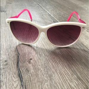 Pink Betsy Johnson Retro Sunglasses 💕