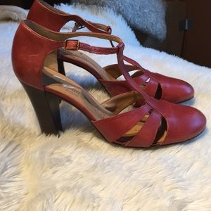 Gorgeous red leather CATHY JEAN heels
