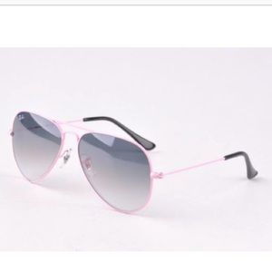 Ray-Ban Aviator Pink Frame Grey Gradient Lens 🕶