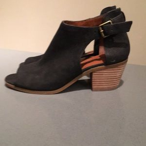 Lucky Brand flat ankle boots with peep toe.