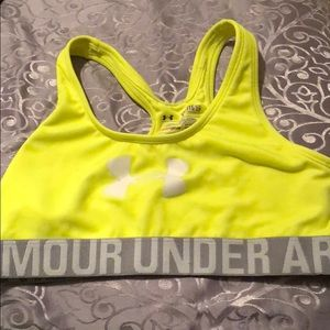 Under armour sports bra youth xl fits small