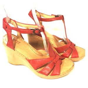 Born Red Leather Wedge Sandal Size 8