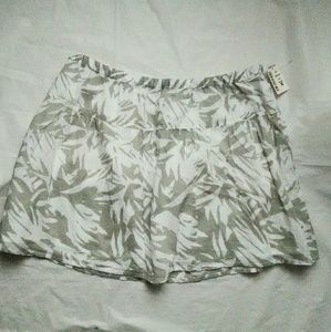 Aeropostale Gray Print Skater Skirt nwt
