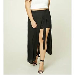 NWT Forever21 Plus Size Skirt with Shorts! Size2X