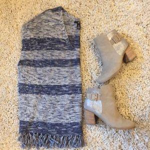 GAP Oversized Knit Sweater EUC