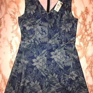 RED by Saks Fifth Avenue Dress Size L blue floral