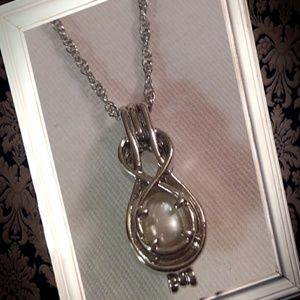 925 silver figure 8 pearl cage locket necklace