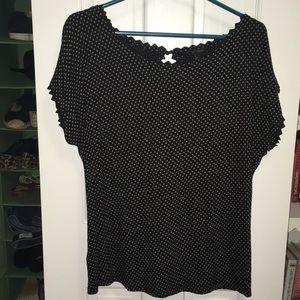 Scalloped neck polka dot shirt