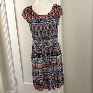 LC Lauren Conrad M crinkle look print dress