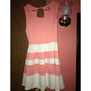 Summer dresses 🌸