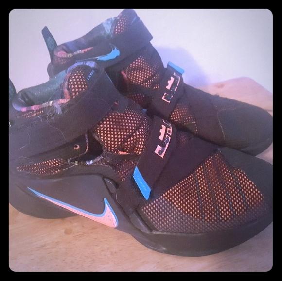 47d23085384 purple lebron james shoes 9 soldier