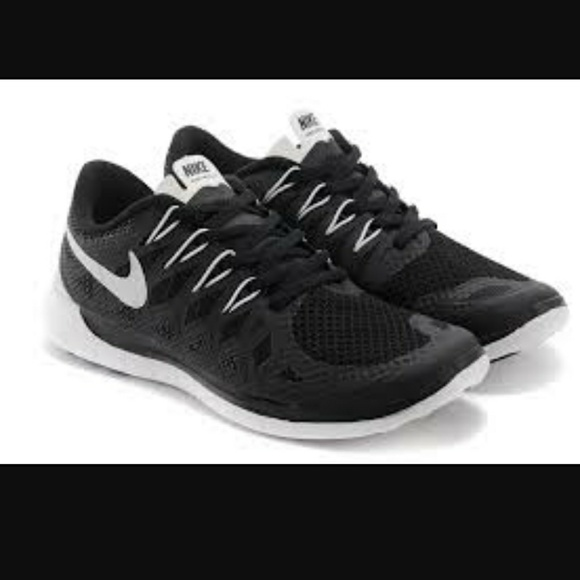 Nike 5.0 Running Sport Shoes Men's 11 Black White