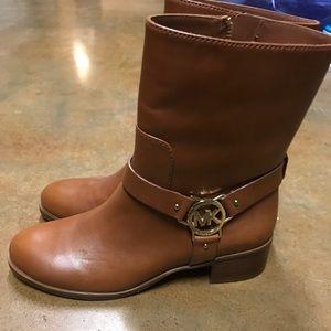MK brown boots