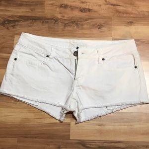White VS PINK shorts