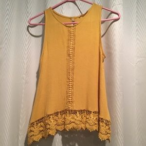 Yellow lace tank top size s/m