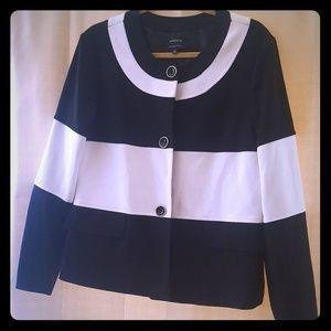 NWOT Jone's Wear Wide Striped Jacket