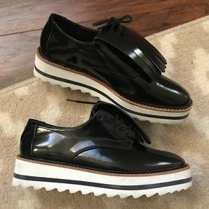 🆕 ZARA black and white platform shoe
