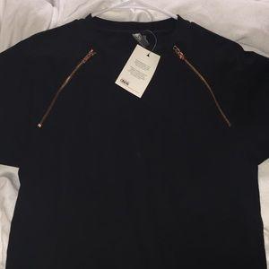 ASOS men's medium short sleeve zipper detail
