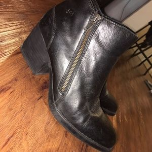 Born 'Rowell' block heel black booties - Size 9