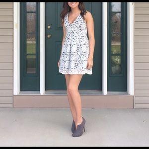 short v neck dress