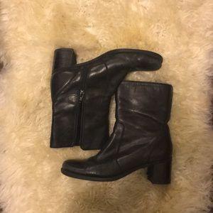 Vintage black heeled boots