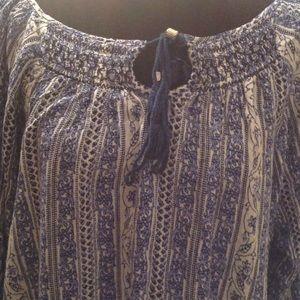 EN CREME Tops - En Creme Blue/White Print Boho Blouse Size L