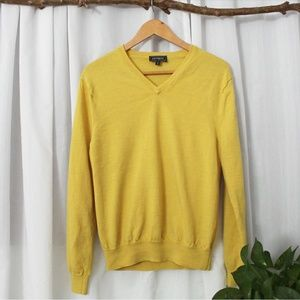 PRE-OWNED EXPRESS MUSTARD COLOR SWEATER SIZE L
