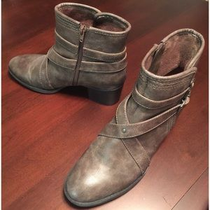 Natural Sole Booties by Naturalizer NWOT