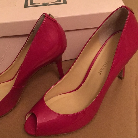 95c15a925fa Ivanka Trump Shoes - 💥 Ivanka Trump Hot Pink Peep Toe Heels